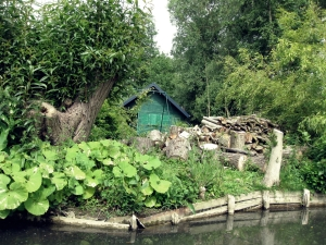 Les Hortillonnages - the cultivated peat islands of Amiens, France